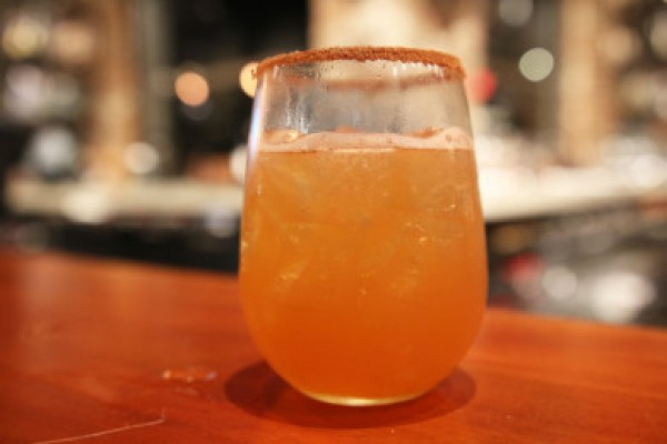 http://www.coppersmithboston.com/wp-content/uploads/2015/05/cider-punch-e1445359638762-1-600x400.jpg